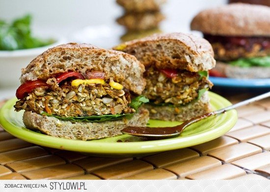 Our Perfect Veggie Burger — Oh She Glows na Stylowi.pl