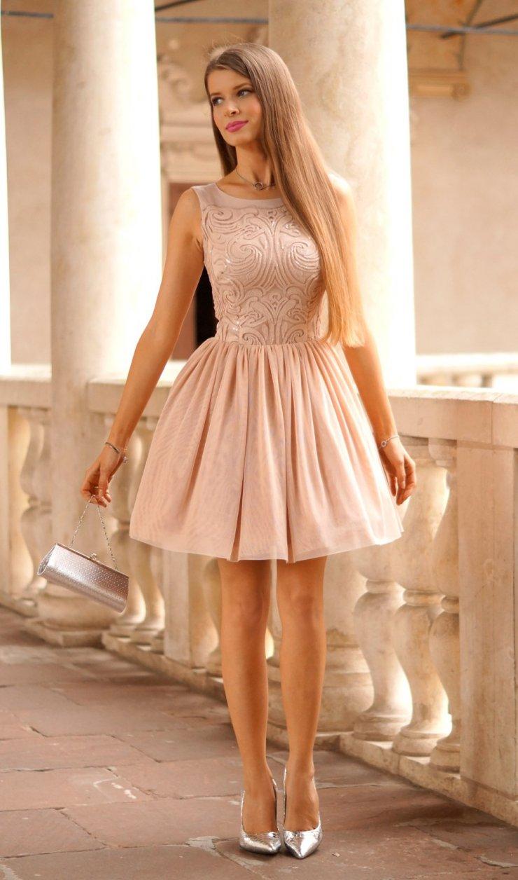 86be557022 Tiulowa sukienka w kolorze Nude na Stylowi.pl