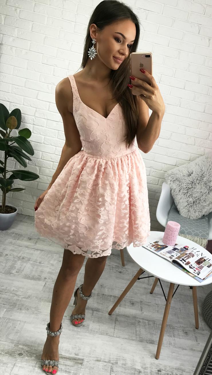 897179213e Pudrowo-różowa sukienka na wesele na Stylowi.pl