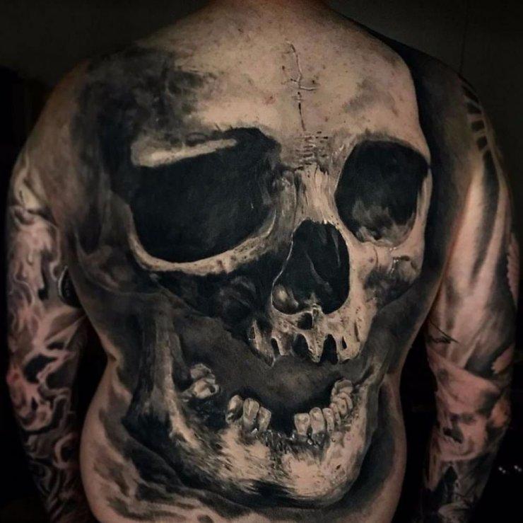 Duża Realistyczna Czaszka Tatuaż Na Plecach Na Stylowipl