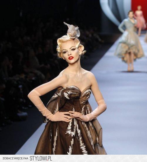 Modne Fryzury Z Lat 20 Na Pokazie Diora W Paryżu Zdj Na Stylowipl