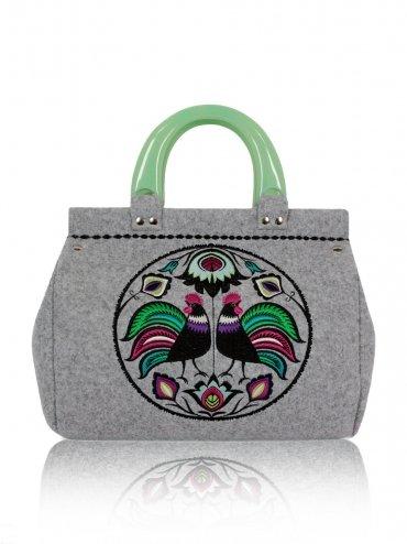 2fa036e7 Filcowa torebka z haftem - mały kufer FOLK KOGUTY - Bi… na Stylowi.pl