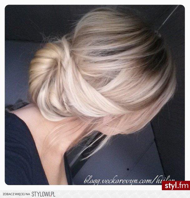 Fryzury Blond Włosy Fryzury średnie Na Co Dzień Prost Na