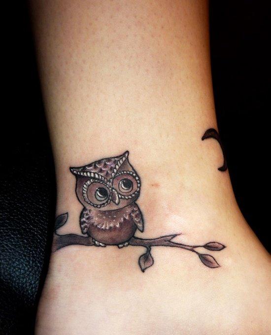 Sowa Na Gałązce Tatuaż Wokół Kostki Na Stylowipl