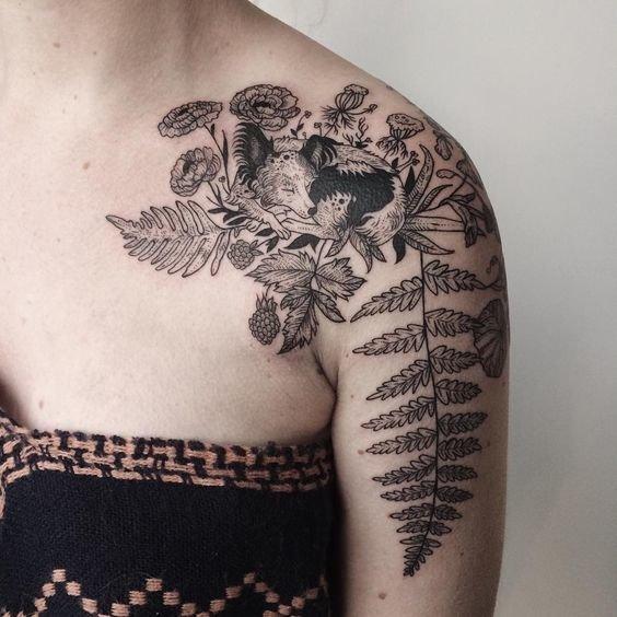 Tatuaż Na Ramieniu Napisy I Najpiękniejsze Kobiece Wz Na