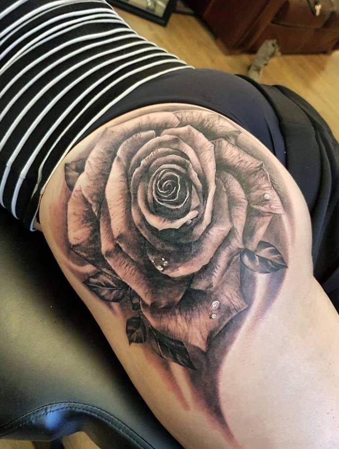 Róża Tatuaż Na Na Pośladku Na Stylowipl