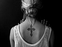Tatuaz Krzyz Na Plecach Damski Na Stylowipl